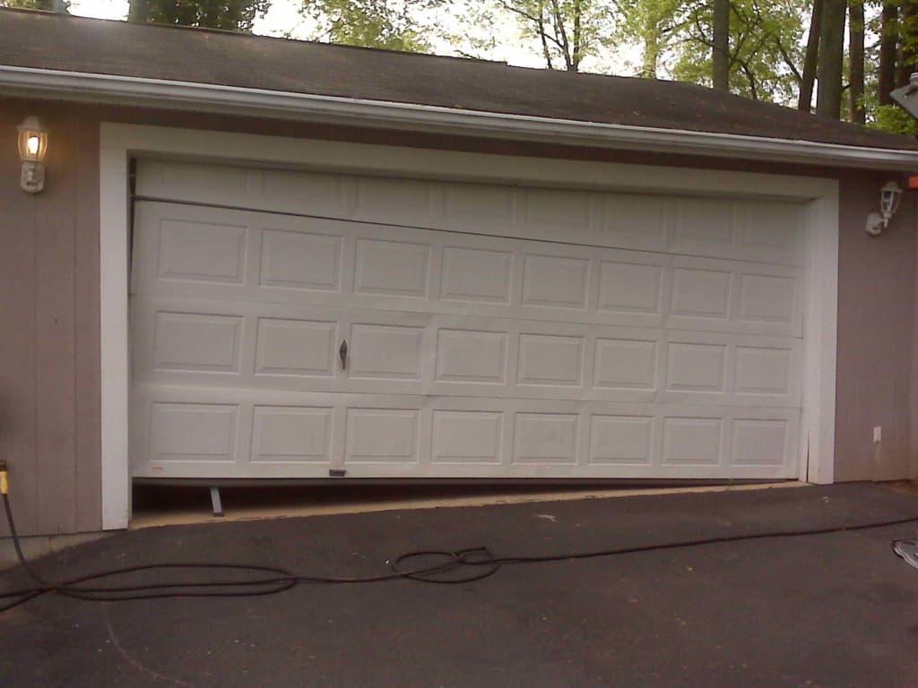 faulty garage door in nyc